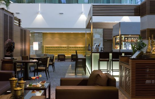 Bar del hotel Sofitel London Heathrow