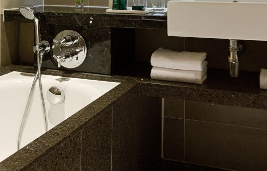 Cuarto de baño Sofitel London Heathrow