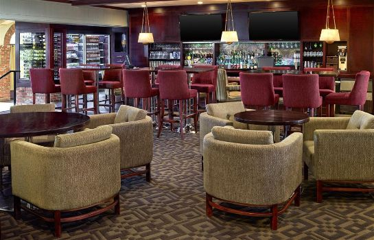Bar del hotel Sheraton Red Deer Hotel