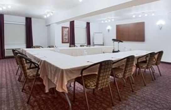 Sala de reuniones Ramada Red Deer Hotel and Suites