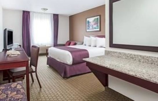 Camera standard Ramada Red Deer Hotel and Suites