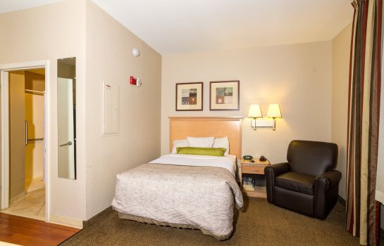 Zimmer Candlewood Suites FT MYERS I-75