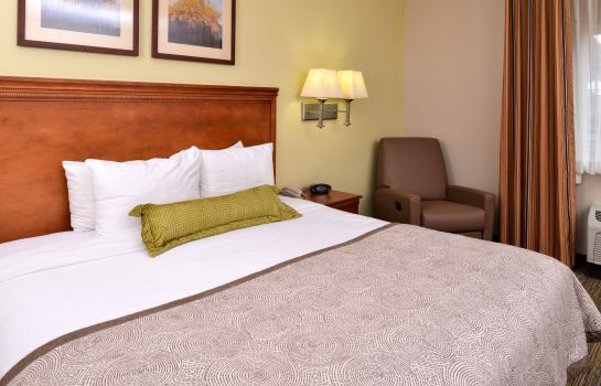 Zimmer Candlewood Suites BOISE - TOWNE SQUARE