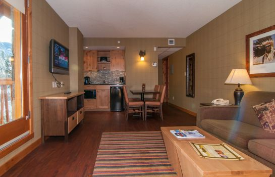 Suite Fox Hotel And Suites
