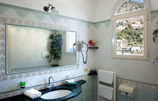 Bathroom Hotel Reginella Positano