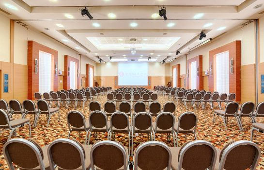 Congreszaal Ramada Plaza Bucharest