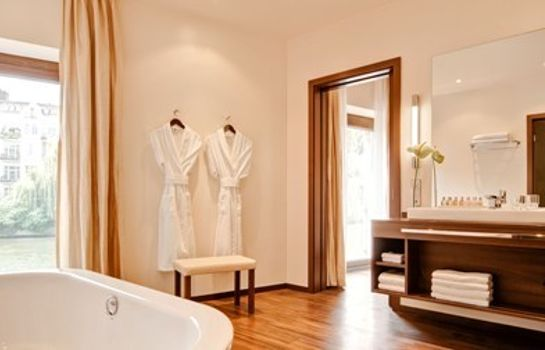 Bathroom Abion Villa Suites