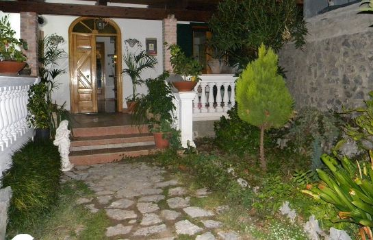Garden Holiday House Le Palme
