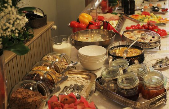 Ontbijtbuffet Arc de Triomphe by Residence Hotels