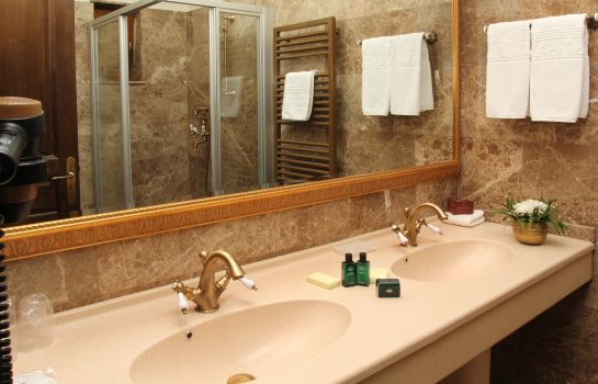 Bagno in camera Domenii Plaza by Residence Hotels
