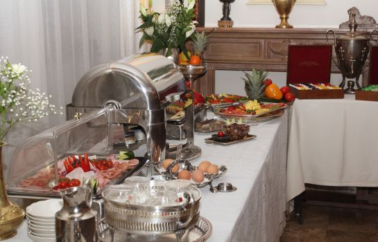 Buffet prima colazione Domenii Plaza by Residence Hotels