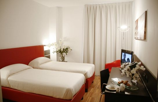 Chambre Euro Hotel Residence