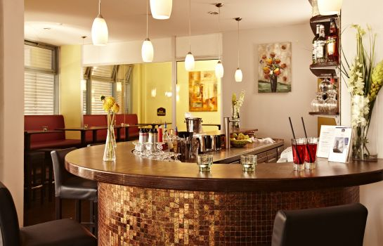 Bar del hotel Hotel Kiel by Golden Tulip
