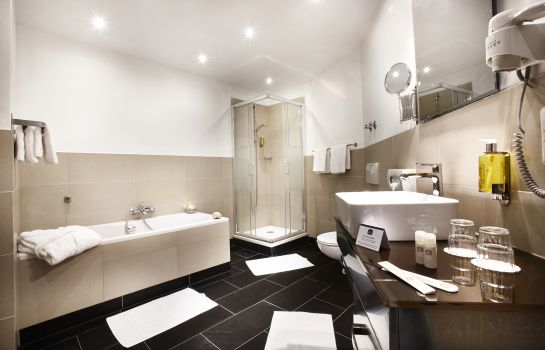 Bathroom Hotel Kiel by Golden Tulip