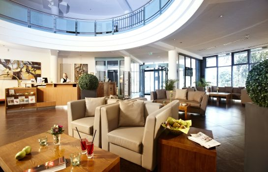 Reception Hotel Kiel by Golden Tulip