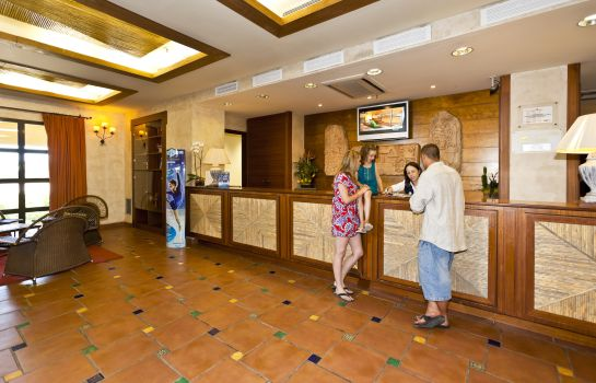 Reception PortAventura Hotel Lucy's Mansion - Park Tickets Included