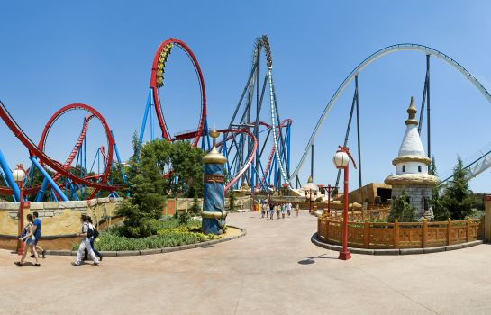 Information PortAventura Hotel Lucy's Mansion - Park Tickets Included