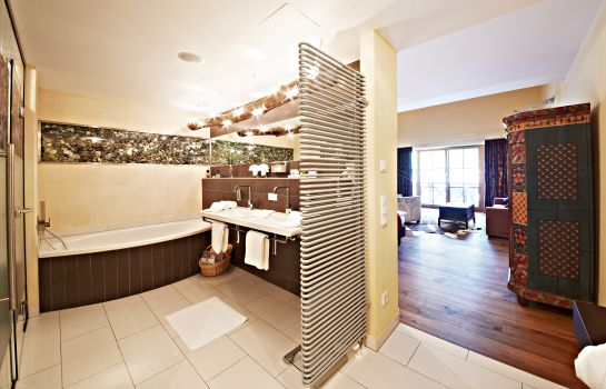 Badezimmer Alpine Palace New Balance Luxus Resort 5*Superior