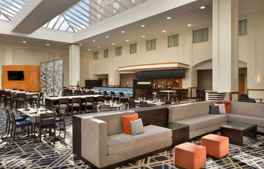 Hotelhalle Embassy Suites by Hilton Boston at Logan Airport