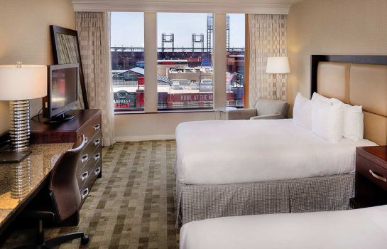 Zimmer Hilton St. Louis at the Ballpark