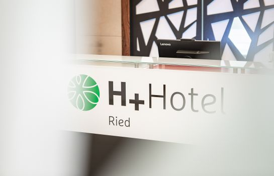 Reception H+ Hotel Ried