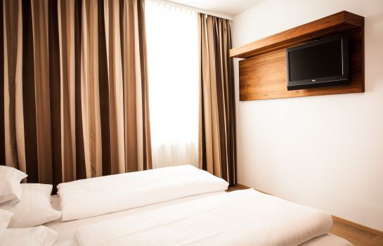 Doppelzimmer Standard H+ Hotel Ried