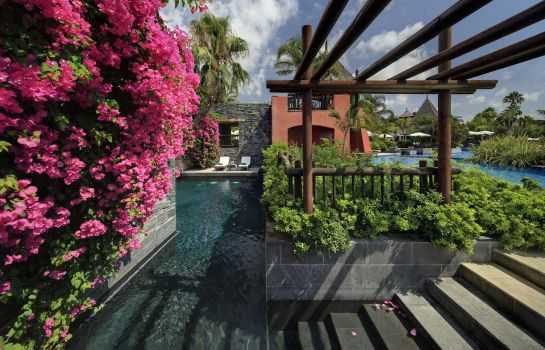 Suite Asia Gardens Hotel & Thai Spa, a Royal Hideaway Hotel