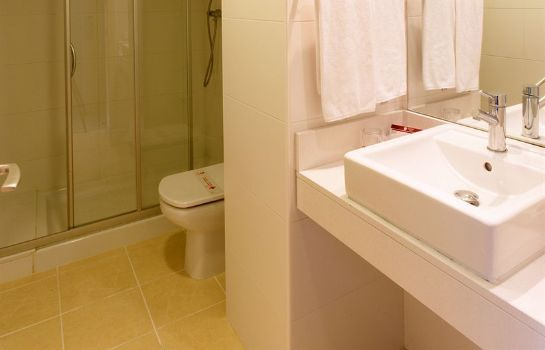 Bathroom Hotel Guitart Gold Central Park Aqua Resort 4*