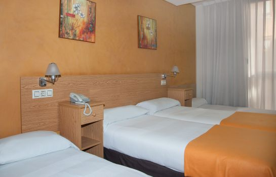Four-bed room Confort Oviedo
