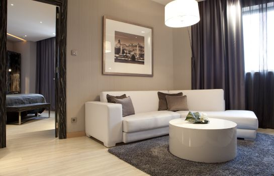 Suite Hotel Maydrit Airport