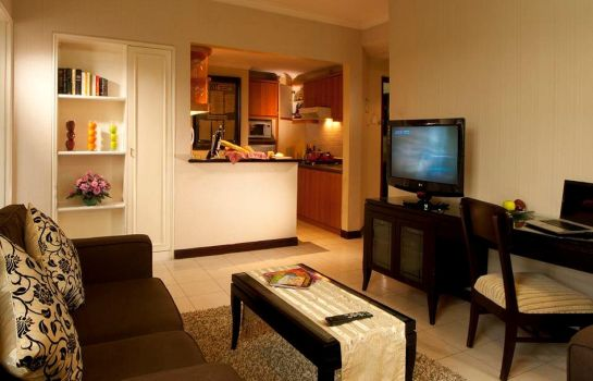 Single room (standard) Grand Tropic Suite Jakarta