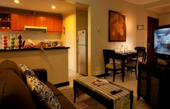 Double room (superior) Grand Tropic Suite Jakarta