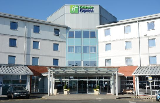 Vista exterior Holiday Inn Express LEIGH - SPORTS VILLAGE