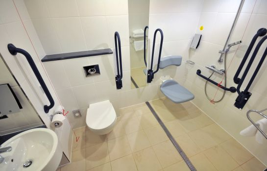Cuarto de baño Holiday Inn Express LEIGH - SPORTS VILLAGE