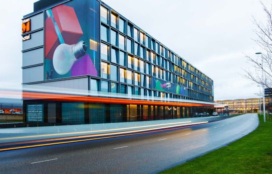 Exterior view citizenM Schiphol Airport