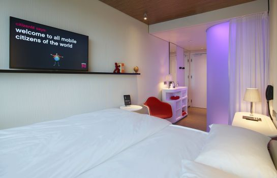 Double room (standard) citizenM Schiphol Airport