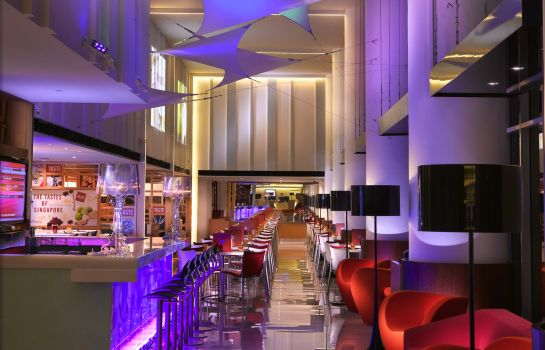 Bar hotelowy ibis Singapore on Bencoolen