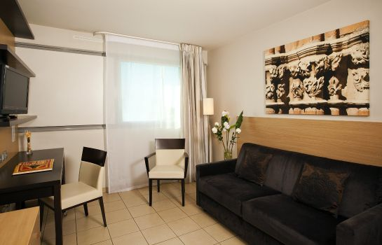 Zimmer Residhome Occitania Apparthotel