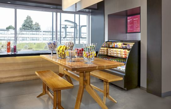 Restaurante Aloft Montreal Airport