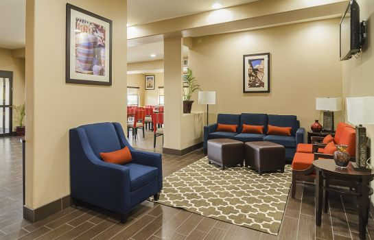 Hotelhalle Comfort Suites North IH 35