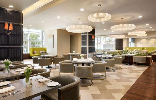 Restaurant Embassy Suites by Hilton Los Angeles Glendale