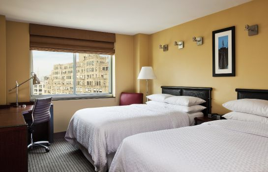 Zimmer Four Points by Sheraton Manhattan SoHo Village