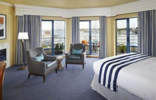 Suite Waterfront Hotel