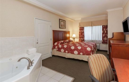 Suite KNIGHTS INN & SUITES BAKERSFIELD