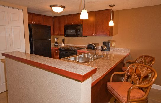 Kitchen in room Legacy Vacation Resorts-Orlando