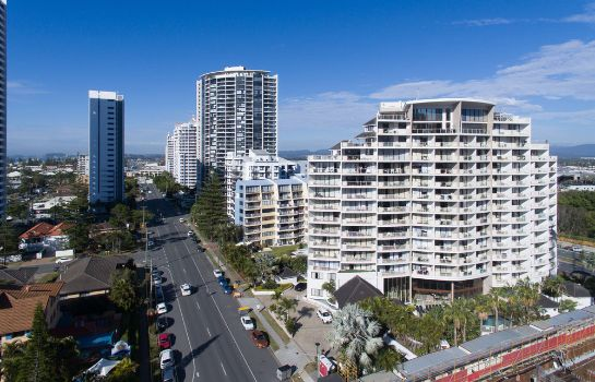 Picture Broadbeach Savannah