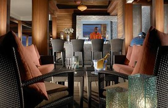 Bar hotelowy The Landings Resort & Spa by Elegant Hotels