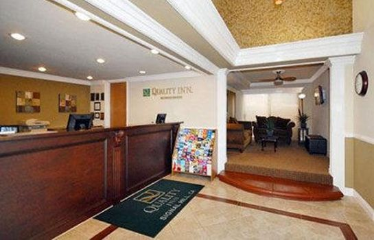 Vestíbulo del hotel Quality Inn Long Beach Airport