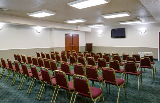 Conference room Quality Inn & Suites Airport