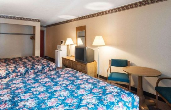 Double room (superior) Rodeway Inn & Suites